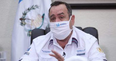 Presidente Giammattei Donara 3 Millones de Mascarillas a la población