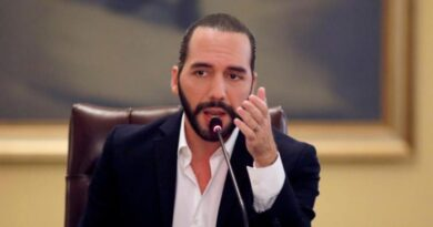 El Salvador contratara médicos guatemaltecos para combatir el COVID-19