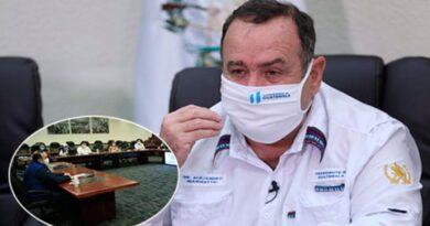 Confirman cuarentena del presidente Giammattei y su Consejo de Ministros