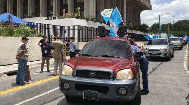 Ni multas ni nada para manifestantes sin placas el día de ayer