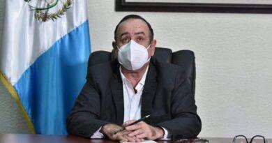 Presidente Giammattei y su consejo de Ministros puestos en cuarentena